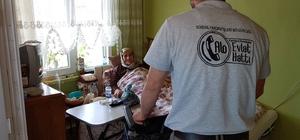 Kartepe'de hastalara hasta yatağı yardımı devam ediyor