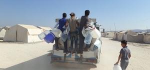 Suriyelilere 4 ayda 1 milyon litre su dağıtıldı HAYAD Derneği Cinderes'te su dağıtımını sürdürüyor