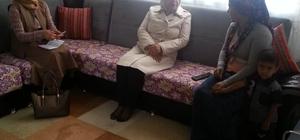 Vali Kamçı'nın eşi aile ziyaretlerine devam etti
