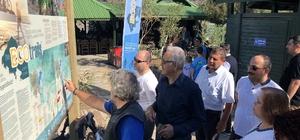 Özdemir'den alternatif turizme katkı sağlayanlara teşekkür Köyceğiz-Ortaca-Dalaman Yürüyüş ve Bisiklet Rotaları ''The ECO Trails'' projesinin Dalyan İztuzu plajında gerçekleştirilen açılış etkinliğine katılan Muğla Vali Vekili Fethi Özdemir alternatif turizme katkı sağlayanlara teşekkür etti.