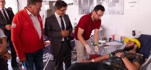 Üniversite öğrencilerinden rekor kan bağışı Toplam 717 ünite kan bağışı ve 110 kök hücre bağışı yapıldı
