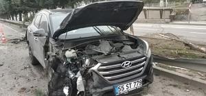 Samsun'da karşı şeride geçen tır otomobile çarptı: 4 yaralı