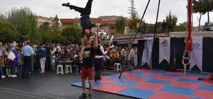 Terör mağduru çocuklar ilk kez sirk izledi