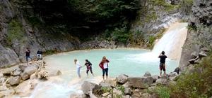 Giresun turizmine 'Mavi Göl' bereketi Giresun'da bulunan Mavi Göl ve Kuzalan Tabiat Parkı turistlerin 'görülmesi gereken yerler' listesine girdi