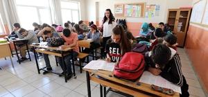 Van Büyükşehir Belediyesinden dar gelirli öğrencilere yardım