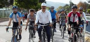 Başkan Bekler, çöp topladı pedal çevirdi