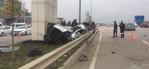 Otomobiliyle üst geçide çarpan kadın sürücü hayatını kaybetti