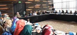 Başkan Altay, Şehir İstişarelerinde AK Parti Kadın Kolları ile buluştu