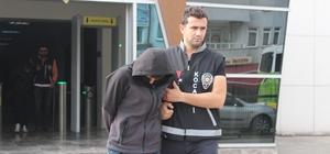 Kocaeli ve Sakarya'da 350 bin TL'lik hırsızlık yapan 3 kişi son işinde yakalandı Değerli eşya ve otomobilleri çalan hırsızlara Kocaeli polisi 'Dur' dedi Çalıntı mallar sahiplerine hırsızlar adliyeye teslim edildi