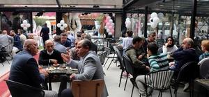 """Yerli sermaye ile üretim yaparak 30 ülkeye pasta ihraç eden Cake Station Sakarya'da açıldı İşletme sahibi Çetin Vuraloğlu: """"Yüzde yüz yerli sermaye ile üretim yaparak 30 ülkeye pasta satan bir işletme haline geldik"""" AK Parti Sakarya Milletvekili Atabek: """"Milli markamızın Dünya'ya açılmış olması bizi mutlu ediyor"""""""