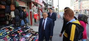 Başkan Memduh Büyükkılıç, Düvenönü'ndeki esnafları ziyaret etti