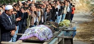 Kazada ölen anne ve oğlu toprağa verildi