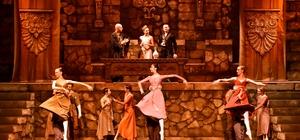 """MDOB """"Hamlet"""" balesini sahneledi"""