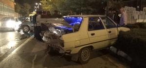 Alkollü sürücü kırmızı ışıkta bekleyen araca çarptı: 1 ağır yaralı