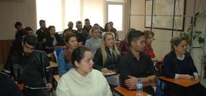 """Berber ve kuaförlerde ikinci dönem sınavları yapıldı Eskişehir Berberler ve Kuaförler Odası Başkanı Fethi Özkara: """"Belgesiz meslektaşımız kalmasın"""""""