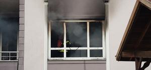 Başiskele'de çıkan yangında 4 kişi dumandan etkilendi
