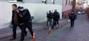 İstanbul'dan gelerek hırsızlık yapan 5 şüpheli yakalandı Evlerin balkonlarından girerek hırsızlık yaptılar