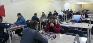 Hakkari Emniyet Müdürlüğü satrançta birinci oldu