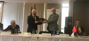 Başkan Kazım Kurt, Romanya'daki Ulusal Kamu Hizmetleri Konferansı'na katıldı