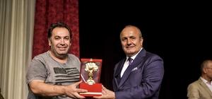"""""""Vay Sen Misin Ben Olan"""" isimli tiyatro, Taşköprü'de sahnelendi"""