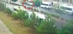 (ÖZEL) Aracın çarptığı çocuk metrelerce savruldu Korkunç kazadan 14 yaşındaki çocuk ağır yaralı olarak kurtuldu