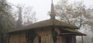 670 yıllık camide define aradılar Defineciler kaçak kazı yapıldığı anlaşılmaması için su kuyusundan camiye tünel kazmışlar