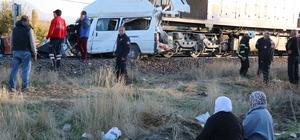 Kayseri'de hemzemin geçitte feci kaza: 2 ölü