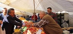 Başkan Tutal pazar esnafıyla buluştu