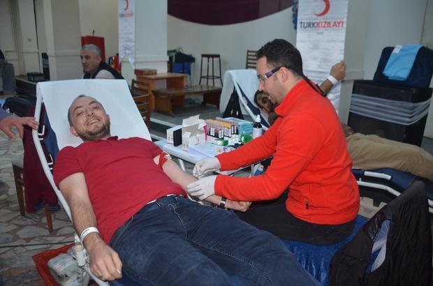 Adana Haberleri: AK Parti teşkilatından kan bağışı kampanyası 56