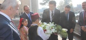 """Bakan Selçuk: """"Kayseri'nin gönlü zengin"""""""