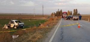 Otomobiller çarpıştı: 1 ölü, 4 yaralı