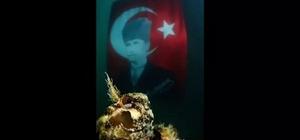 Kuşadası'nda Atatürk için su altında anma etkinliği