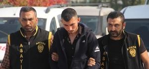 Çay içtikleri büfeci ile bekçisini gasp ettiler Adana'da çay içip sohbet etikleri büfeci ile bekçisini silahla etkisiz hale getirip, iş yerinden sigara içki ve televizyon gasp eden 2 kişi yakalandı