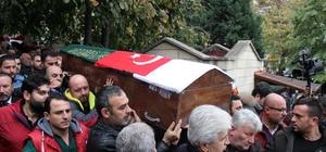 Lastik-İş Genel Başkanı Abdullah Karacan son yolculuğuna uğurlandı Karacan'ın eşi ve yakınları göz yaşlarına hakim olamadı