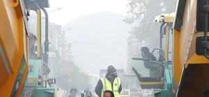 Başkan Çelik, 30 Ağustos Bulvarı'ndaki asfalt çalışmalarını takip etti