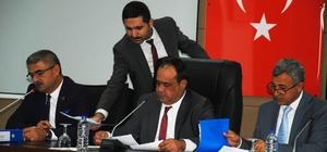 Adana'dan Munyar'a fahri hemşehrilik beraatı kararı Büyükşehir Belediye Meclisi'nde Hürriyet Gazetesi Genel Yayın Yönetmeni Vahap Munyar'a fahri hemşehrilik beraatı kararı oy birliği ile kabul edildi