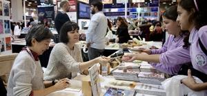 """Çocuk kitabı yazarları """"37. Uluslararası İstanbul Kitap Fuarı""""nda"""