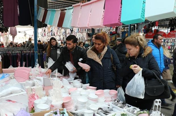 (Özel Haber) Akın akın gelmeye devam ediyorlar Sosyete pazarında komşuya pazar esnafından 'açık hesap' Edirne'de kurulan ulus pazarında Yunan ve Bulgarlara veresiye defteri açılıyor