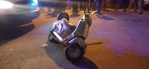 Otomobil motosiklete çarptı : 1'i ağır 2 yaralı