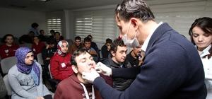 Cemil Meriç öğrencilerine diş muayenesi yapıldı