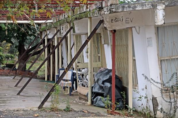 Antalyanın Eğri Evlerinde Diken üstünde Hayat Evde Bulundukları Her