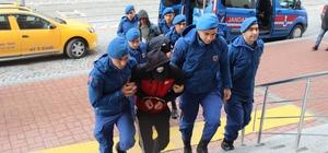Jandarma, inşaat malzemelerini çalan 3 hırsızı suçüstü yakaladı