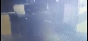 30 dükkanın yanarak kullanılamaz hale geldiği yangın kundaklama çıktı Kundaklama anı güvenlik kamerasına yansıdı