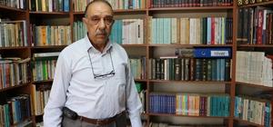 Evindeki eserler müzelerde yok Sivas'ta 44 yılda topladığı yaklaşık 5 bin kitap ile evinde büyük bir kütüphane kuran emekli öğretmen Osman Yekeler'in kitapları arasında devlet kütüphanelerinde bile bulunmayan eserler yer alıyor