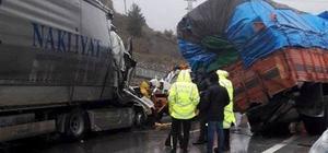 Sakarya'da tır kamyona çarptı: 2 yaralı