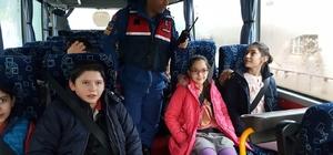Amasya'da jandarma ekipleri okul servislerini denetledi