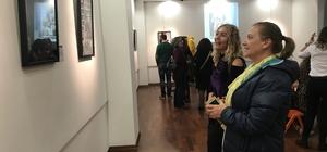 """İzmir'de """"İsveçli Babalar"""" sergisi açıldı"""