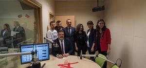 Anadolu Üniversitesi Rektörü Çomaklı, Radyo A'nın konuğu oldu