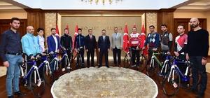 Kocaeli'de spor kulüplerine bisiklet hediye edildi