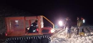Burdur'da karda mahsur kalan işçiler kurtarıldı